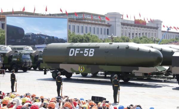 images strategiques defile militaire 70e anniversaire republique populaire chine 2019